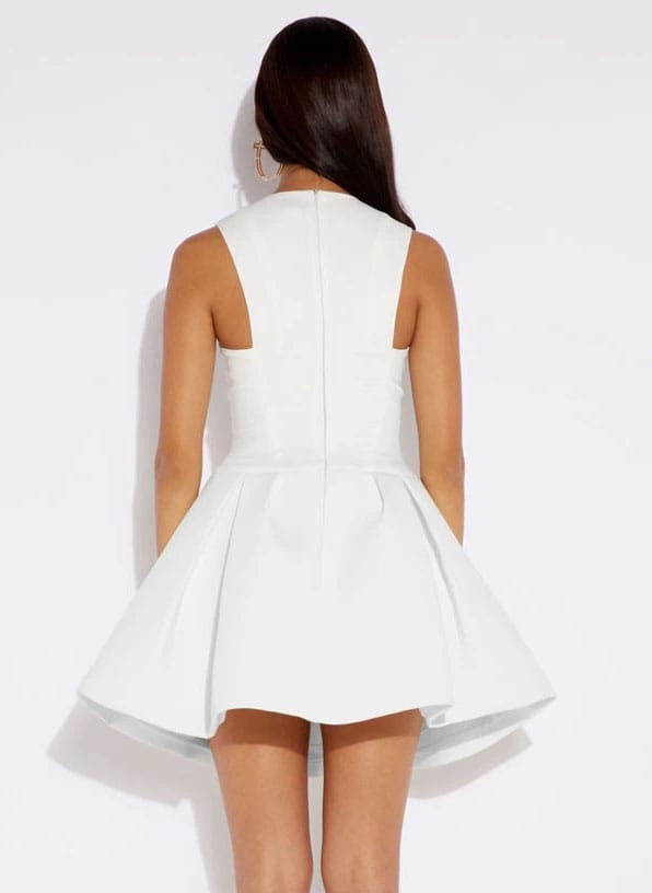 White Round Neck Sleeveless Flare Pleated Dress -SheIn(Sheinside)