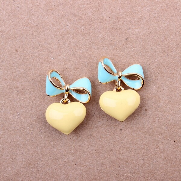 Yellow Green Heart Bow Earrings -SheIn(Sheinside)