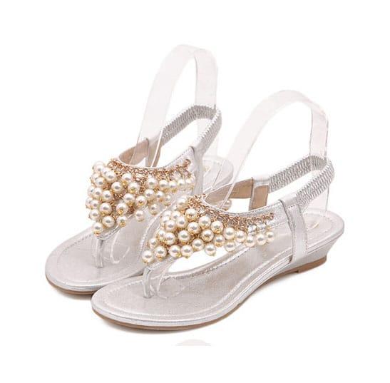 zehentrenner sandalen mit perlen besetzt wei shein. Black Bedroom Furniture Sets. Home Design Ideas